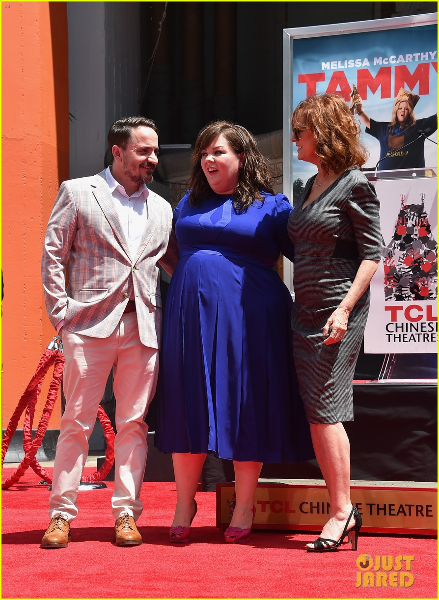 melissa mccarthy hand footprint ceremony 03