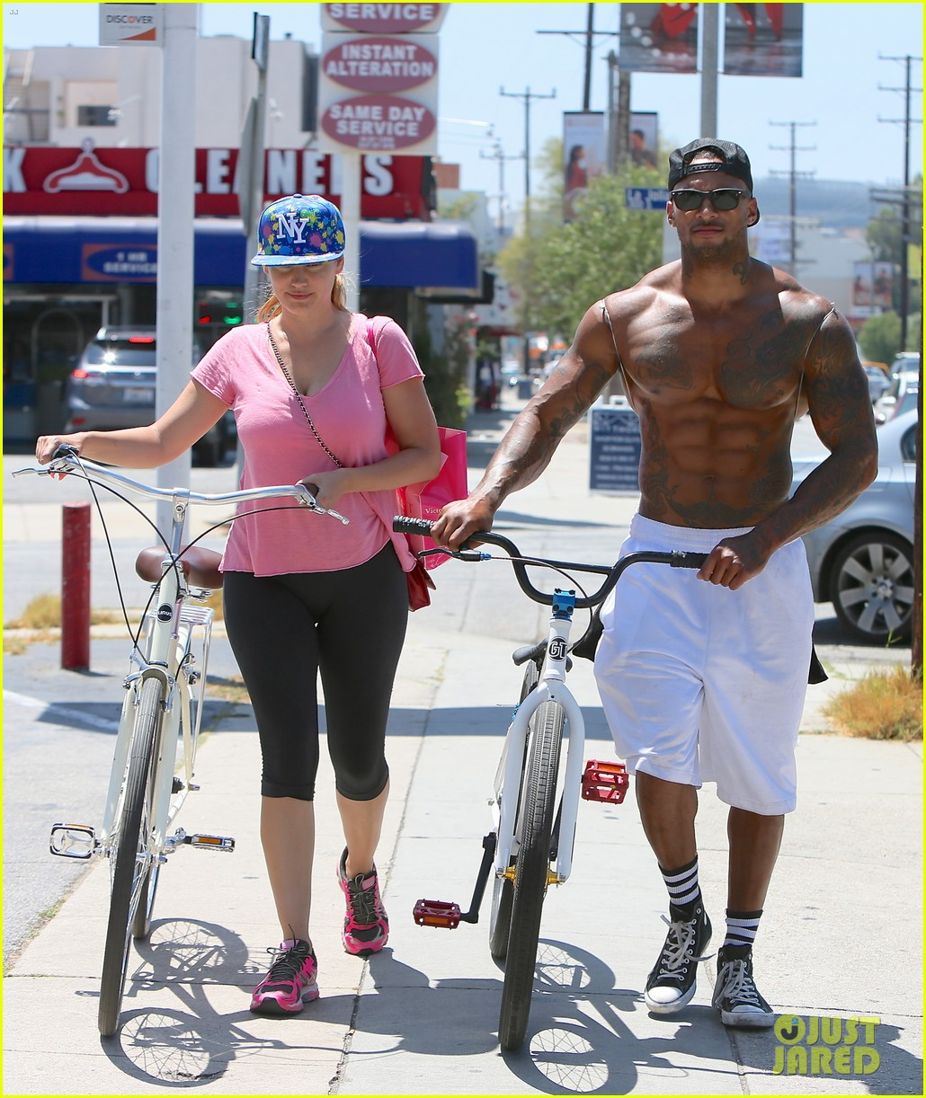 kelly brook fiance david mcintosh should always go shirtless 29