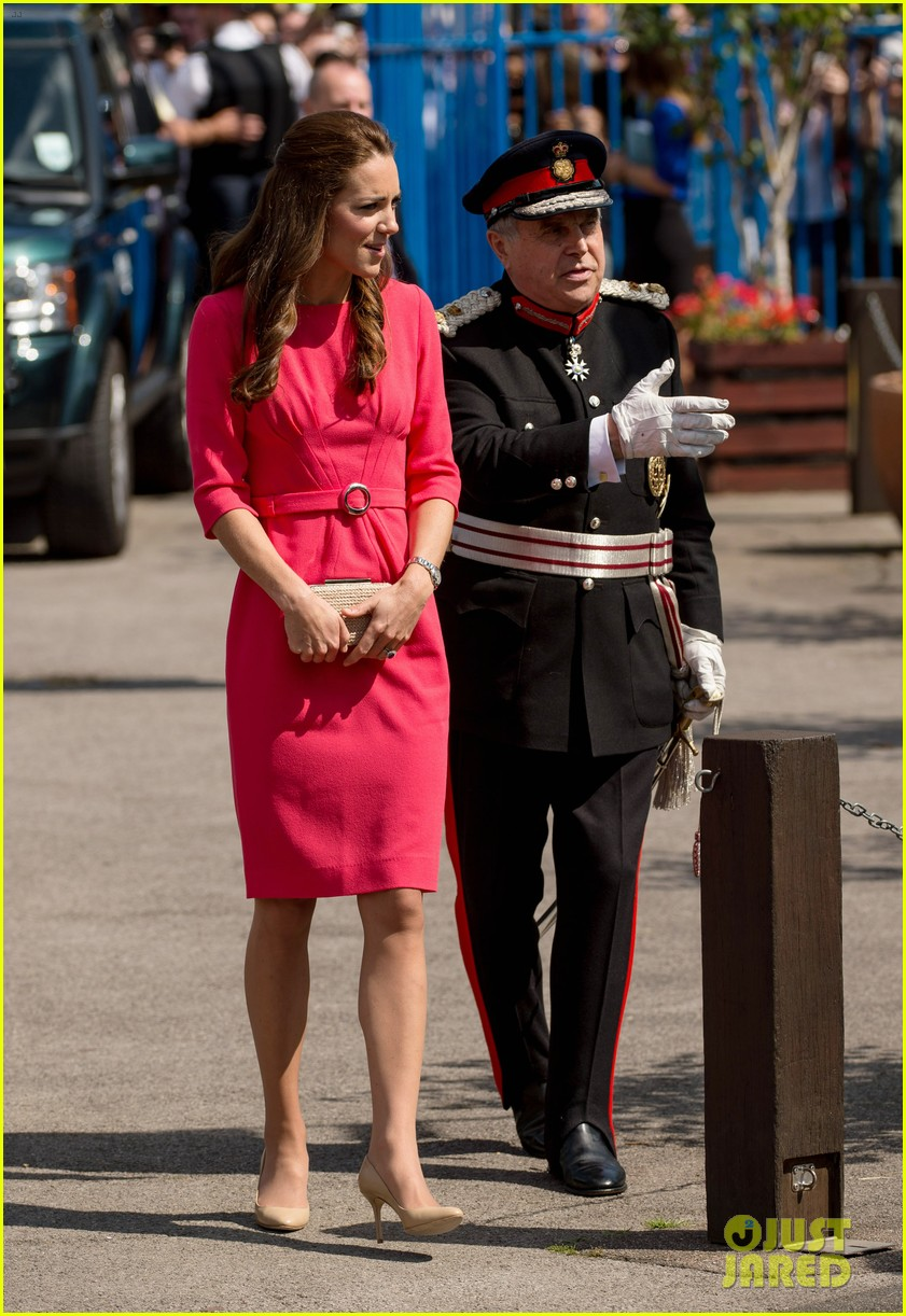kate middleton is bright in pink for blessed sacrament school visit 10