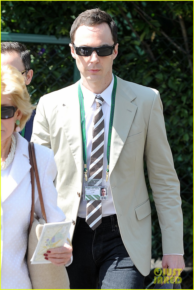 jim parsons finally sells house after moving into robert pattinsons old place 043148847