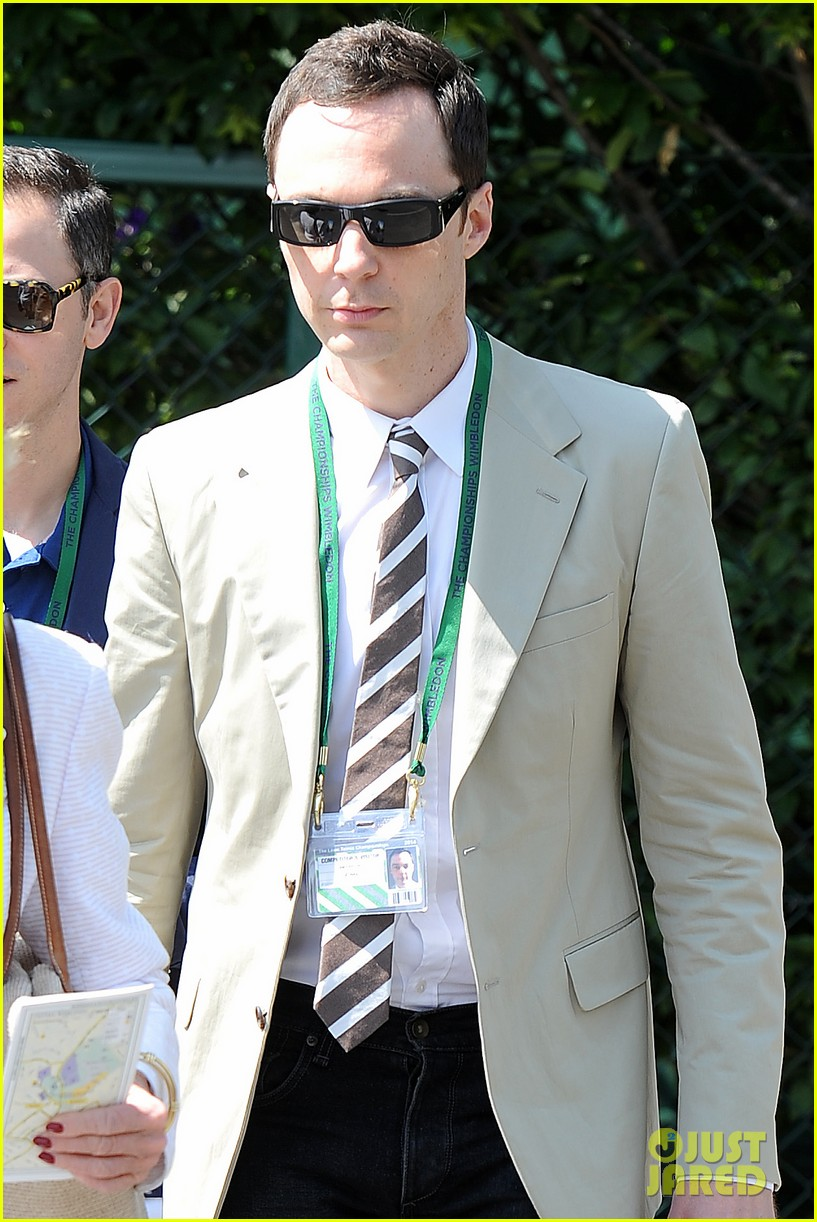 jim parsons finally sells house after moving into robert pattinsons old place 073148850