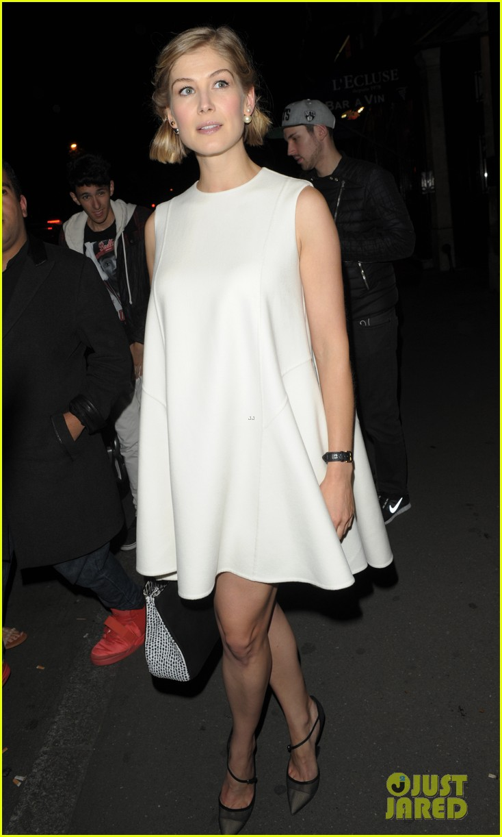 elsa pataky rosamund pike get glam for private dior dinner 03