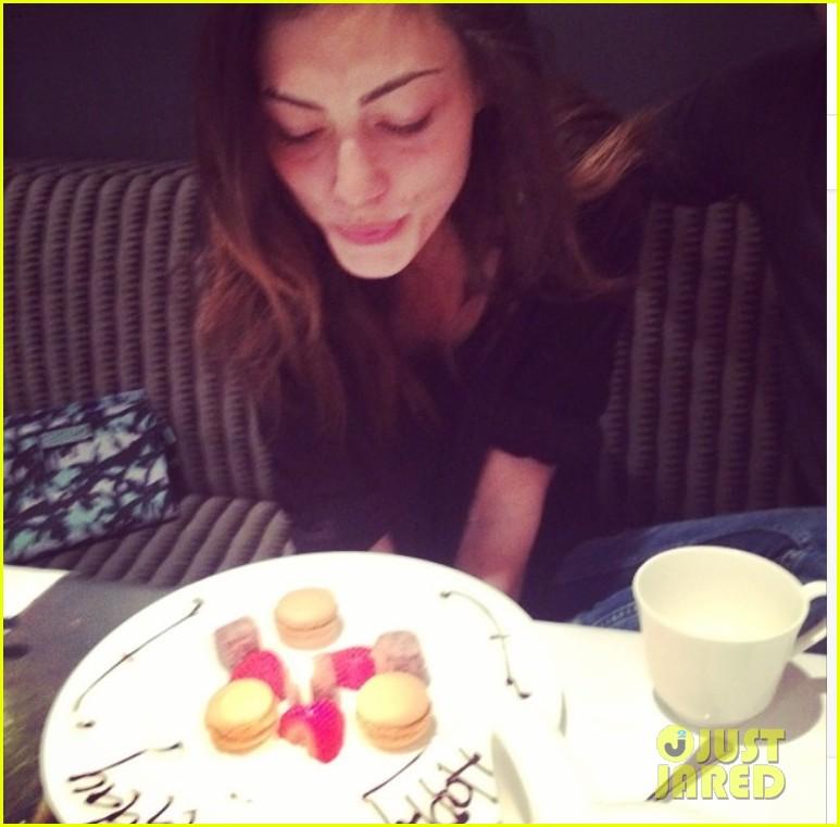 Phoebe Tonkin birthday