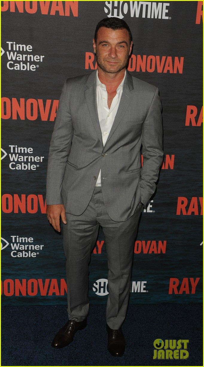 liev schreiber suits up for ray donovan season 2 premiere 173152884