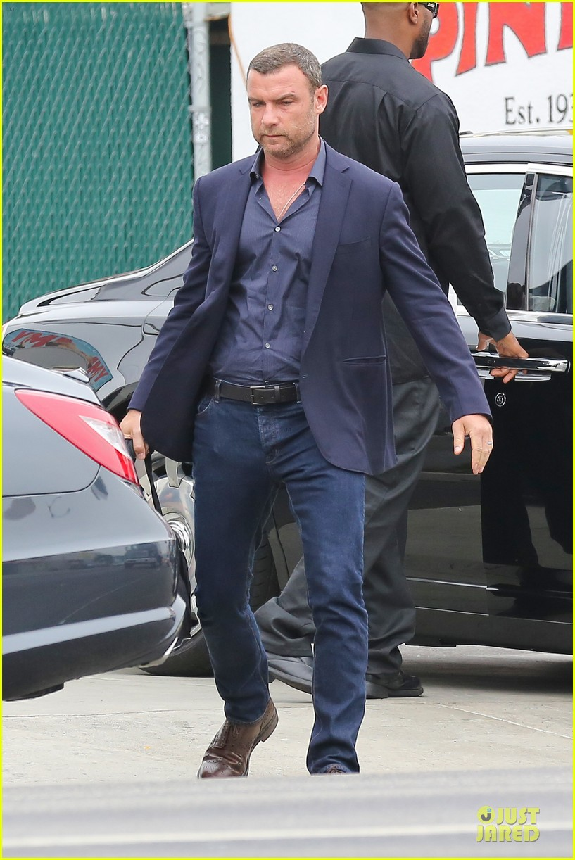 liev schreiber always looks suave for ray donovan 053147924