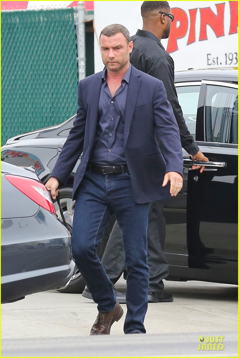 liev schreiber always looks suave for ray donovan 123147931