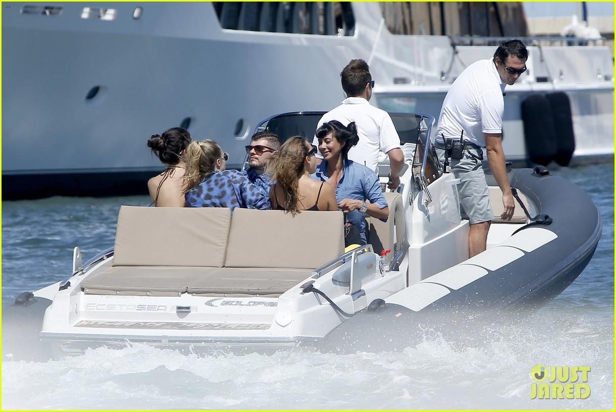 selena gomez cara delevingne boat ride tommaso chiabra 29