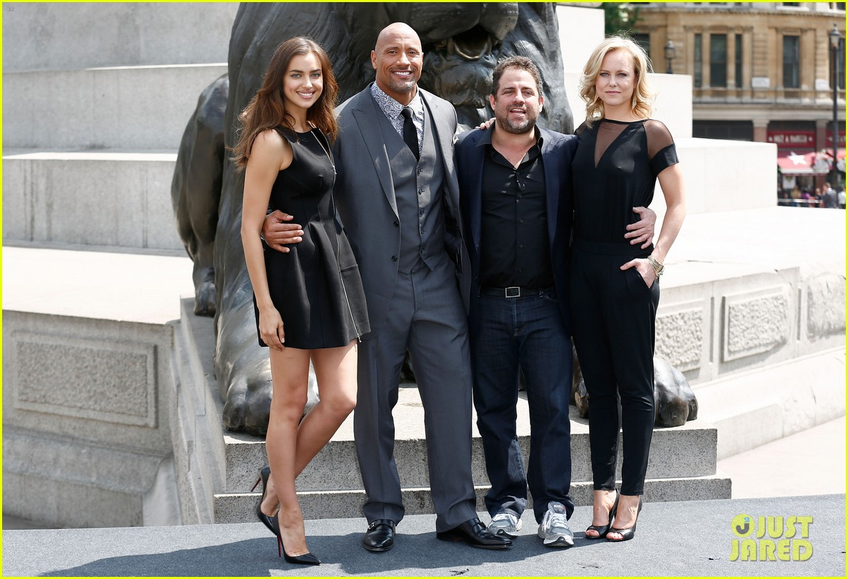 irina shayk dwayne johnson hercules photo call 03