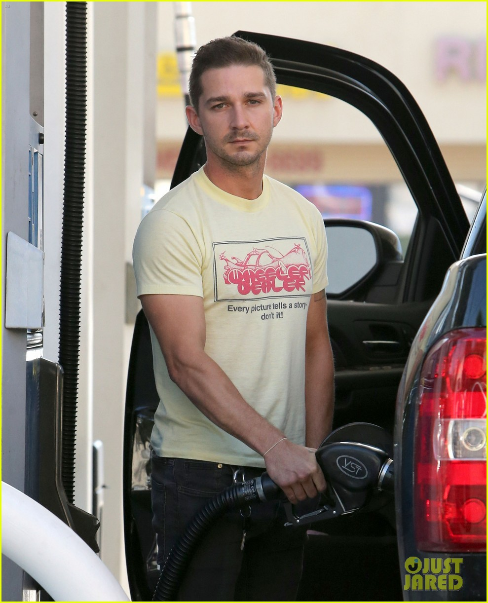 shia labeouf keeps up his daily routine 02