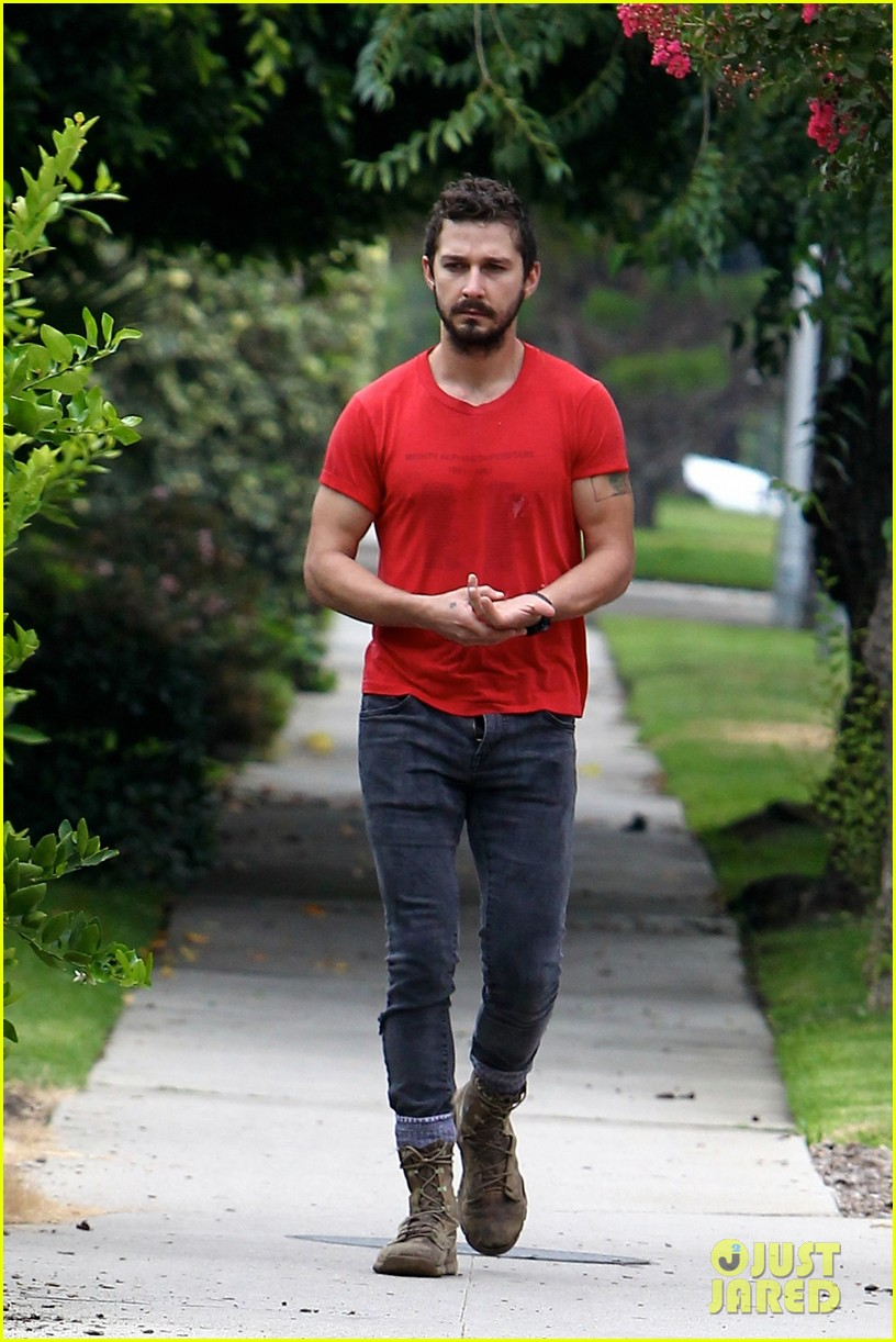 shia labeouf forgets to zip his fly 163148379