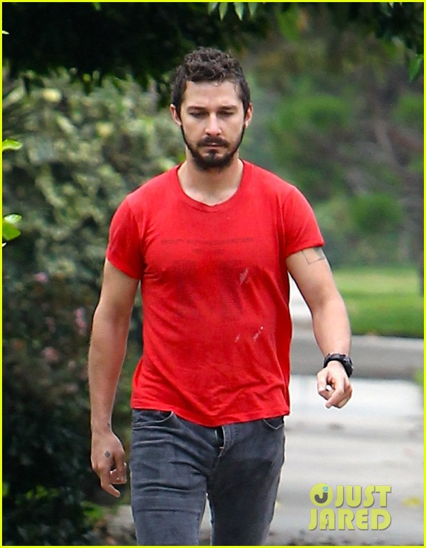 shia labeouf forgets to zip his fly 243148387
