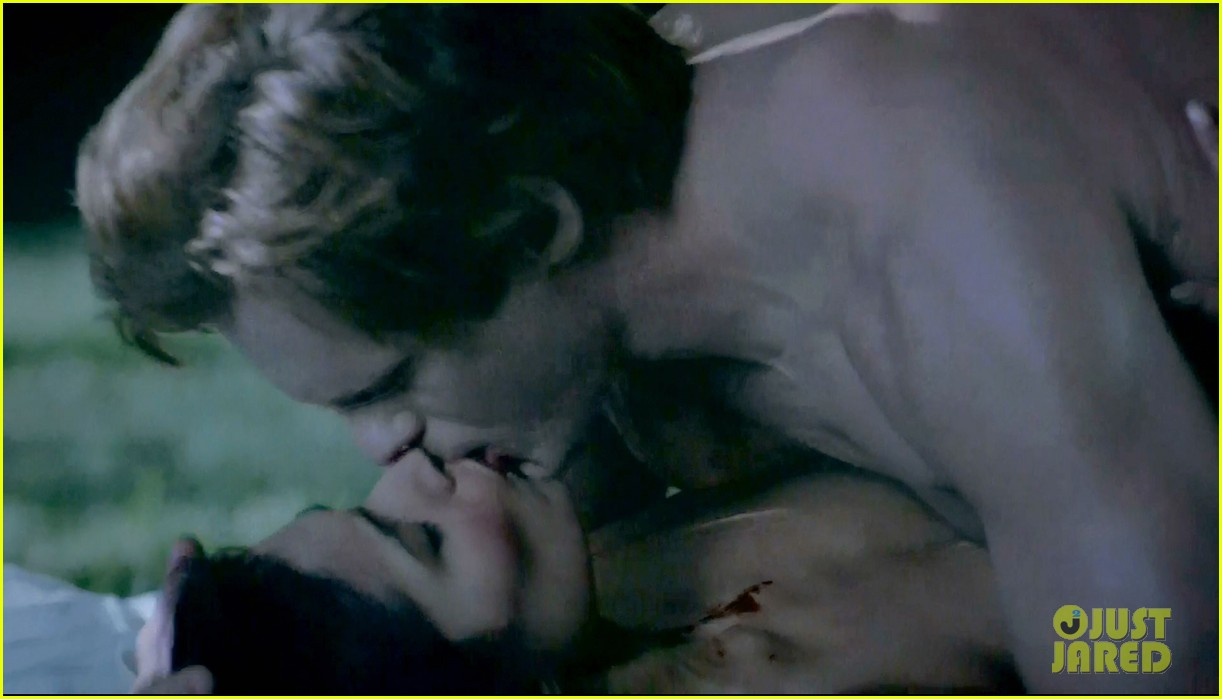 alexander skarsgard butt naked true blood 13