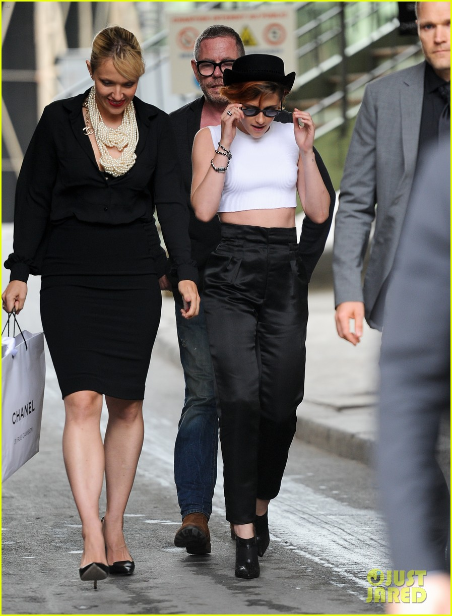 kristen stewart covers up her new short hair with a hat 03