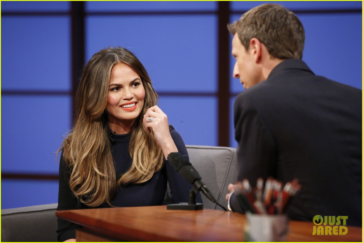chrissy teigen on late night with seth meyers 02