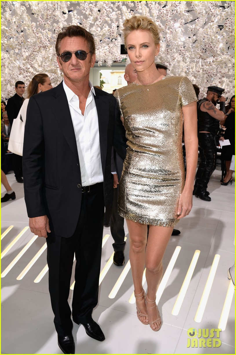 charlize theron sean penn christian dior fashion show 10