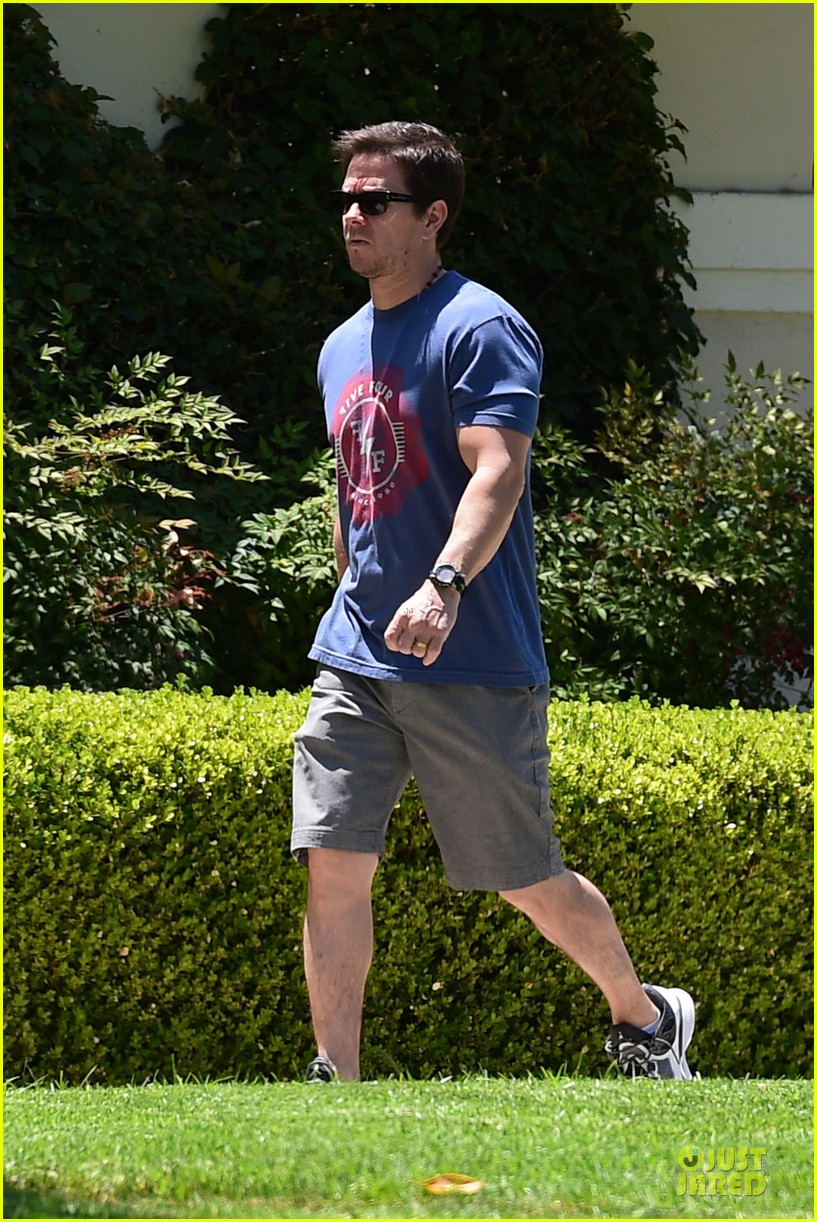 mark wahlberg is terrified of his daughters dating 083148164