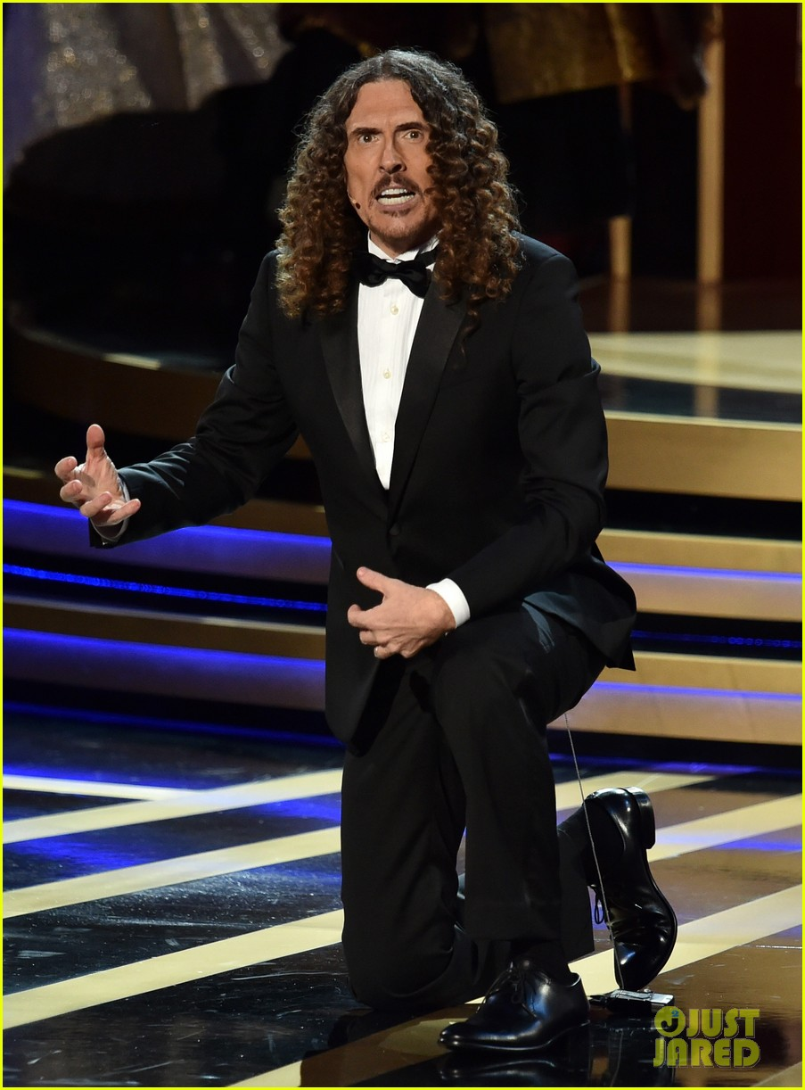 weird al sings lyrics to lyricless television theme songs emmys 2014 03