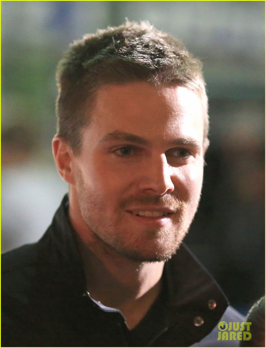 stephen amell filmed an arrow scene that was two years in the making 07