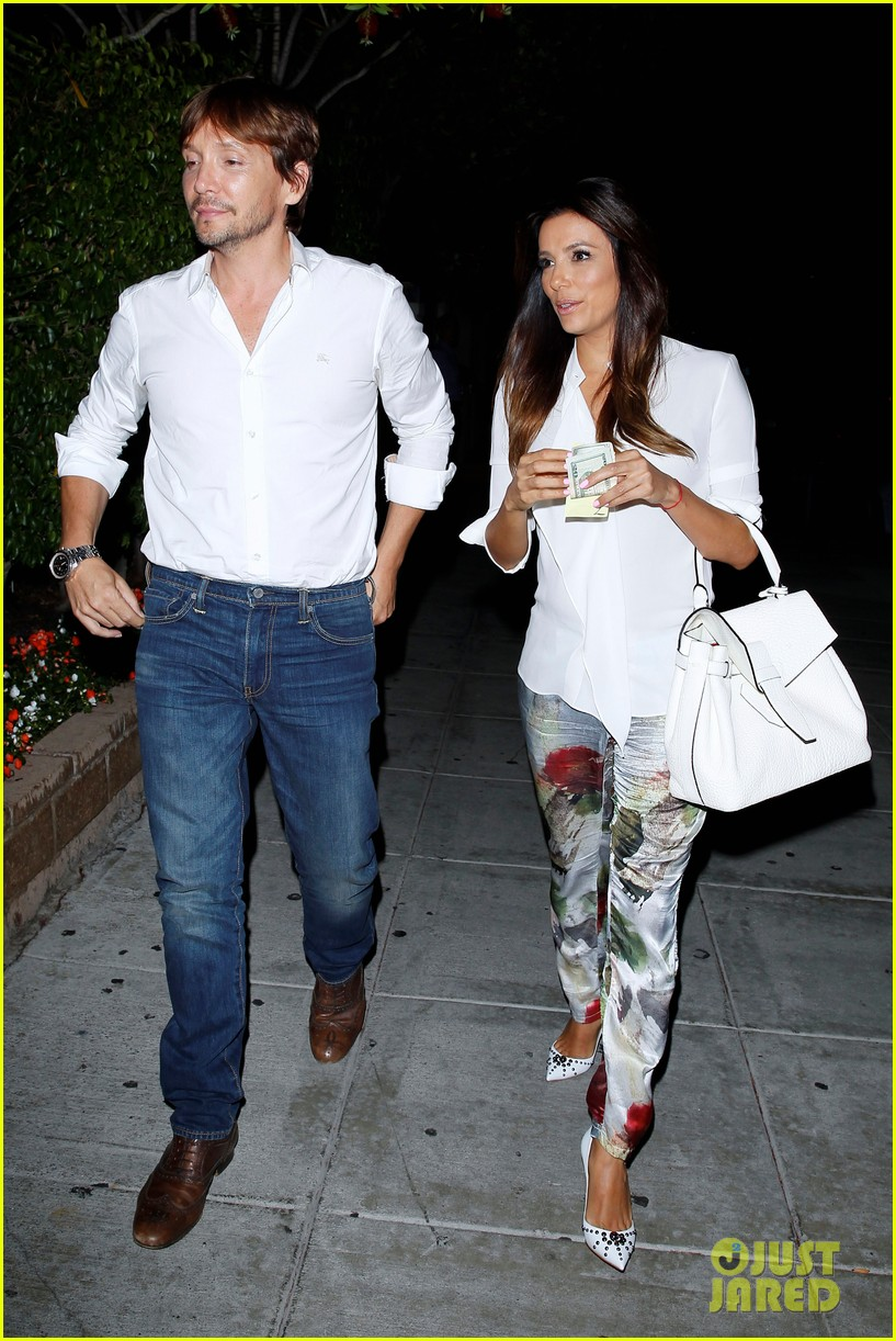david beckham victoria dine separately with their good pals 13