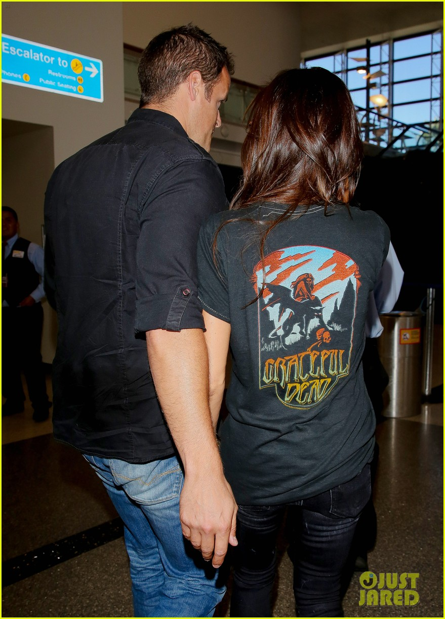 victoria beckham rocks out in grateful dead shirt 213185856