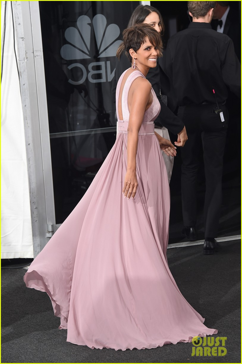 halle berry emmys 2014 09