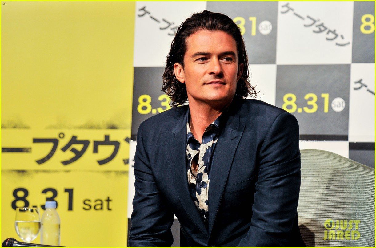 orlando bloom rocks suit at zulu japan 073184545