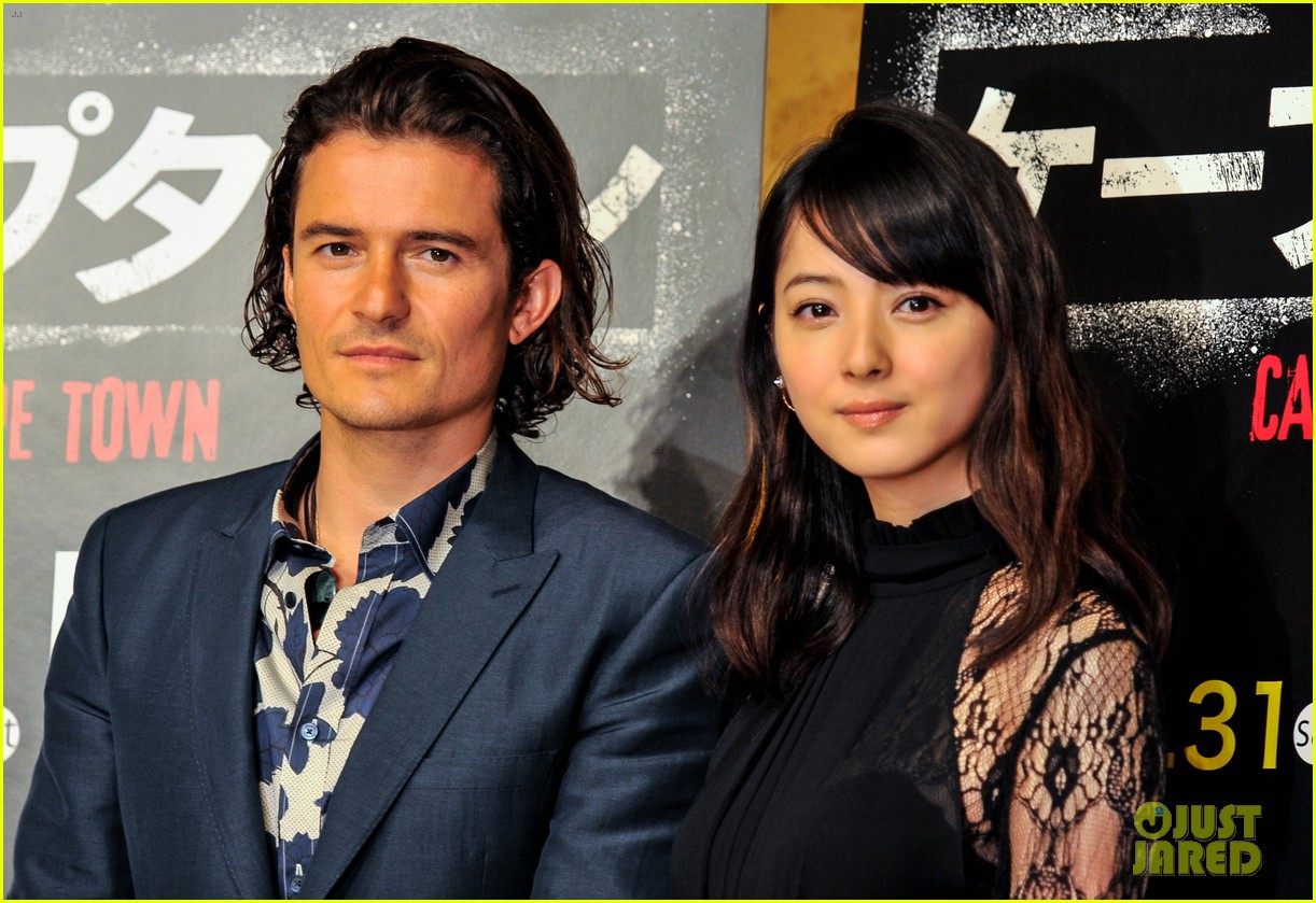orlando bloom rocks suit at zulu japan 083184546