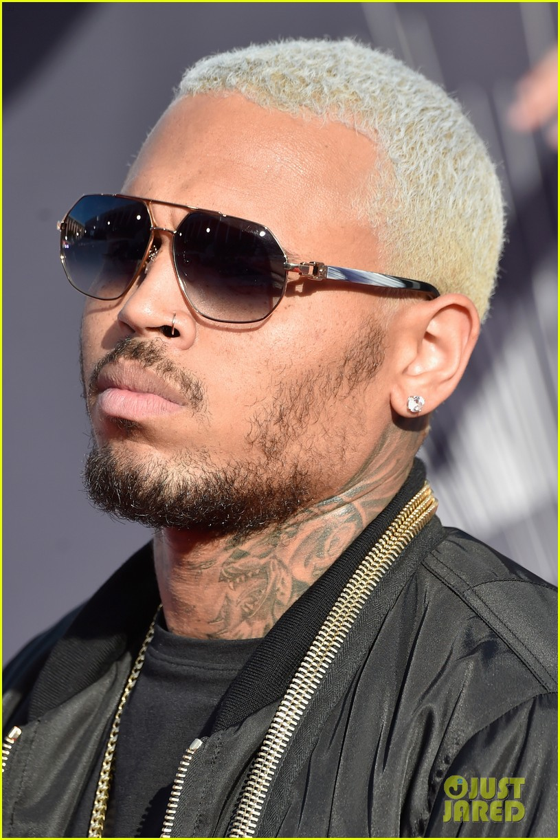 chris brown comments on the suge knight shooting at his mtv vmas party 073182467
