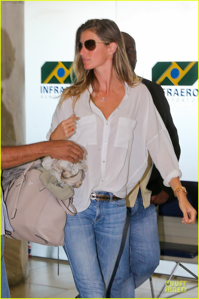 gisele bundchen brazil after playing soccer 07