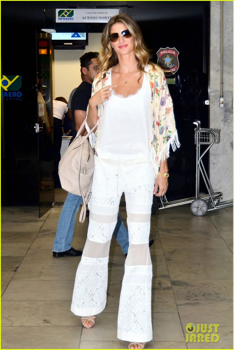 gisele bundchen happy to mingle with fans 073183916
