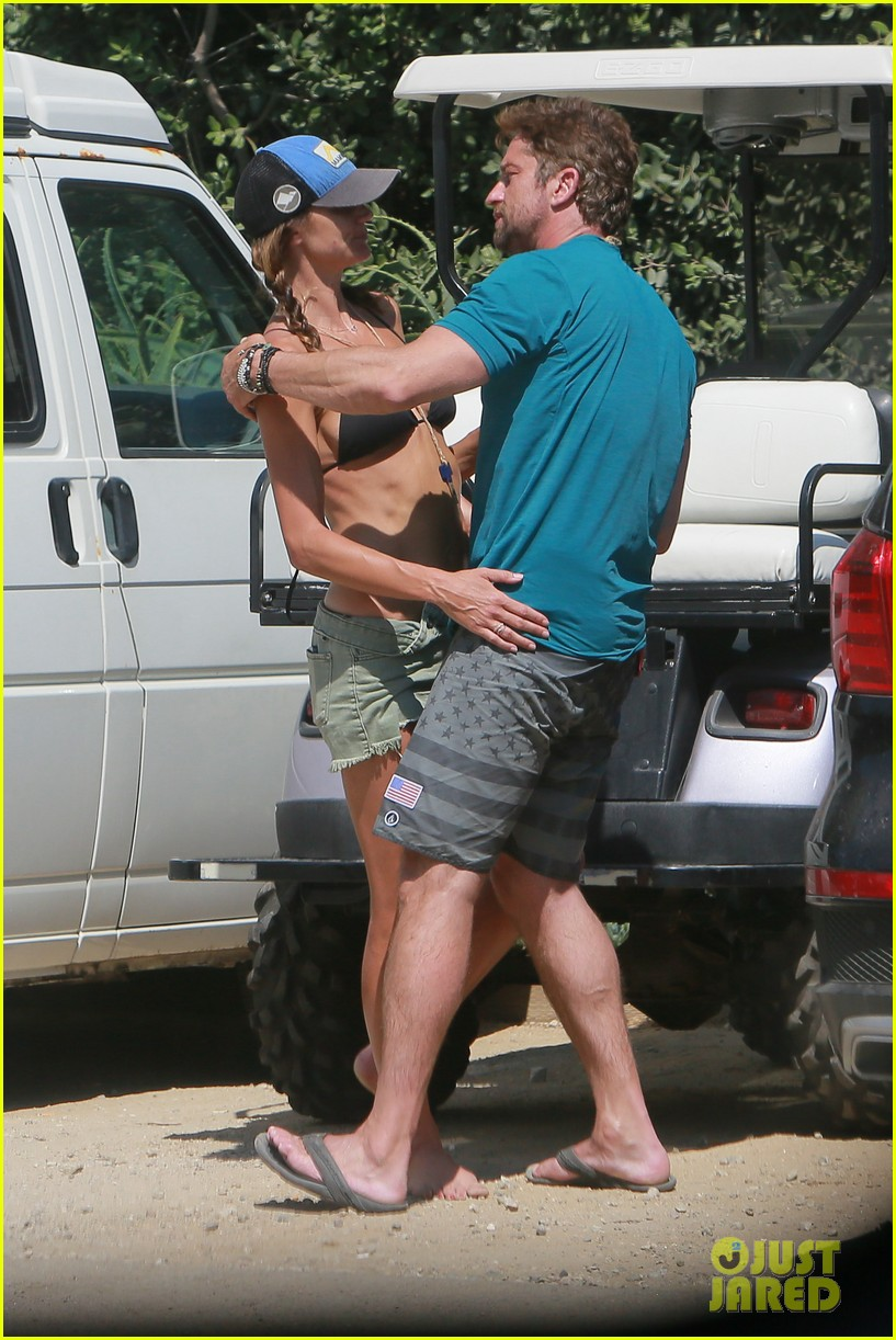 gerard butler cant keep his hands off his mystery girl 59