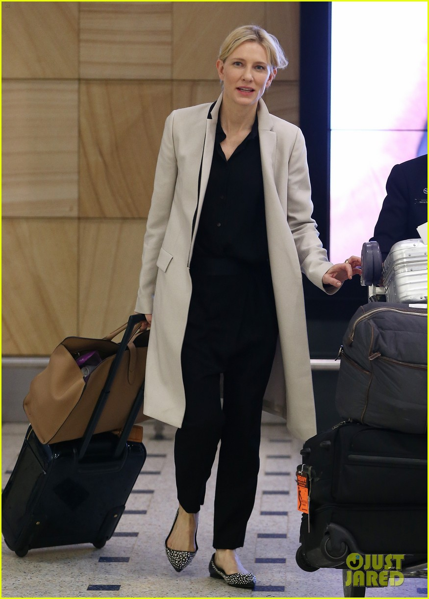 cate blanchett lands in australia after jungle book casting news 08