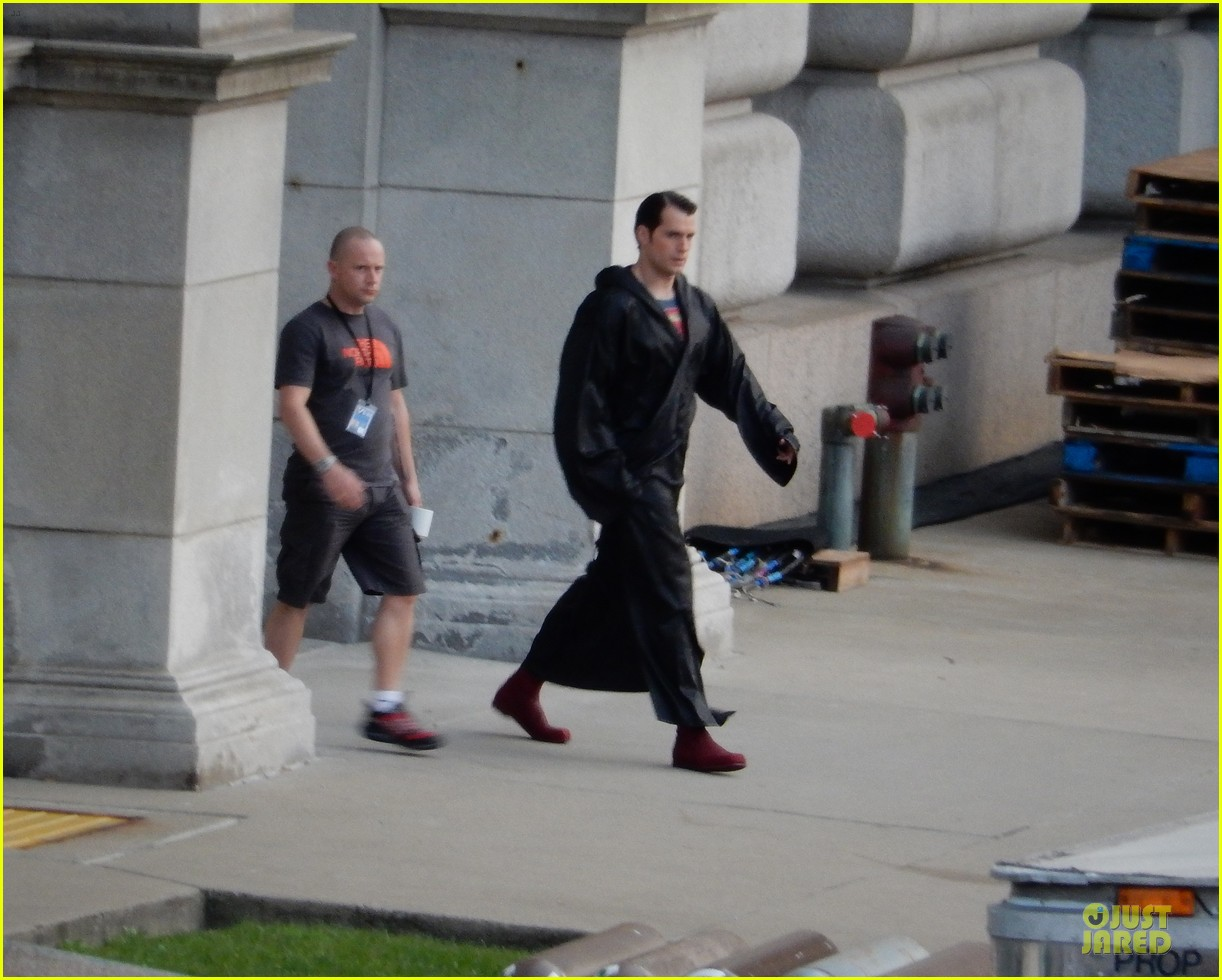 henry cavill hides superman costume 01