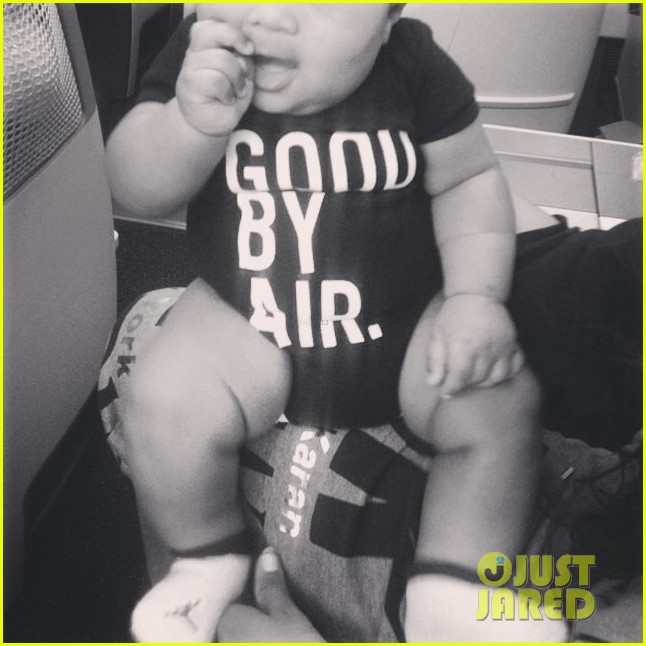 ciara shares adorable new pics of baby future 04