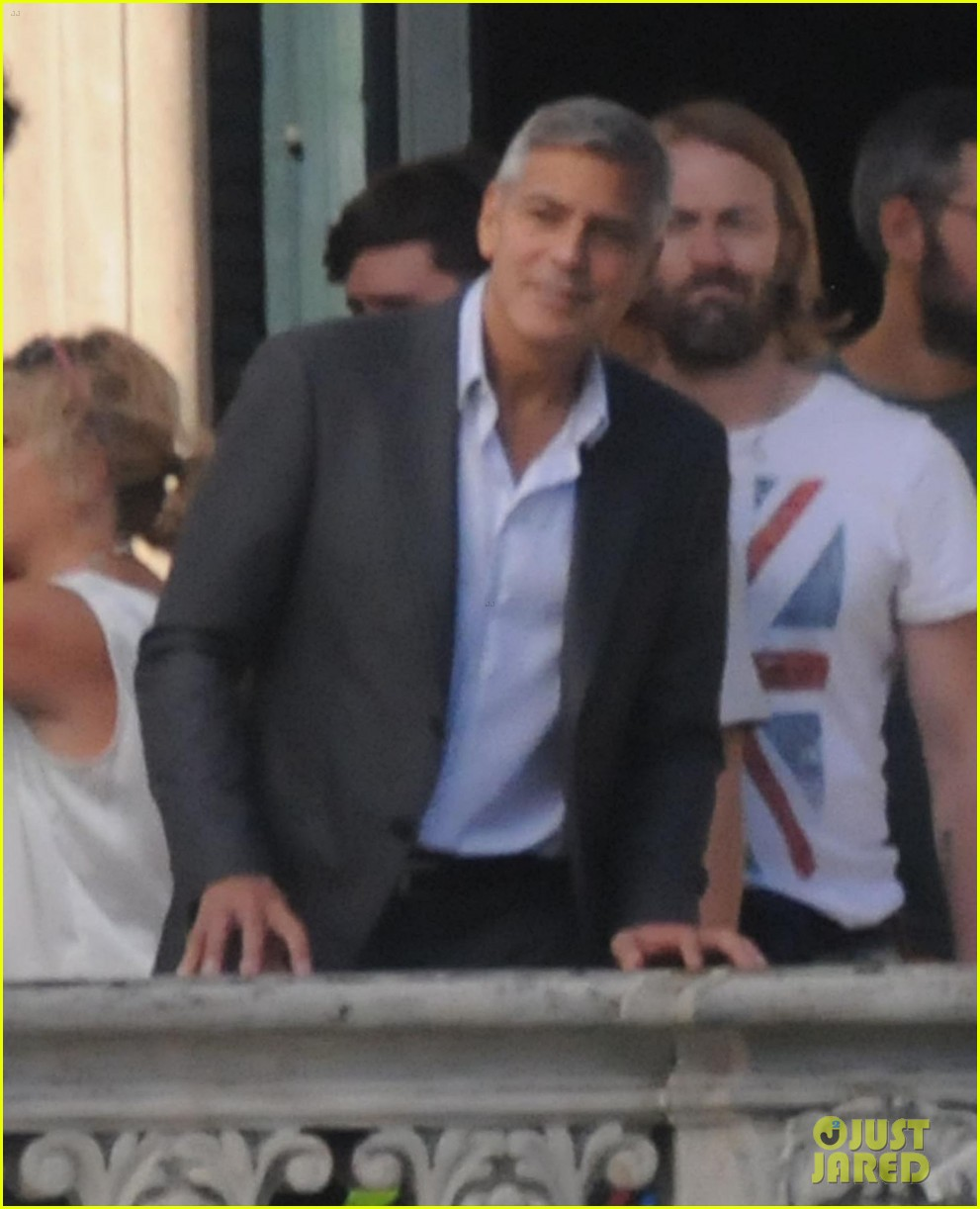 george clooney gets visit from amal alamuddin on set 013185129