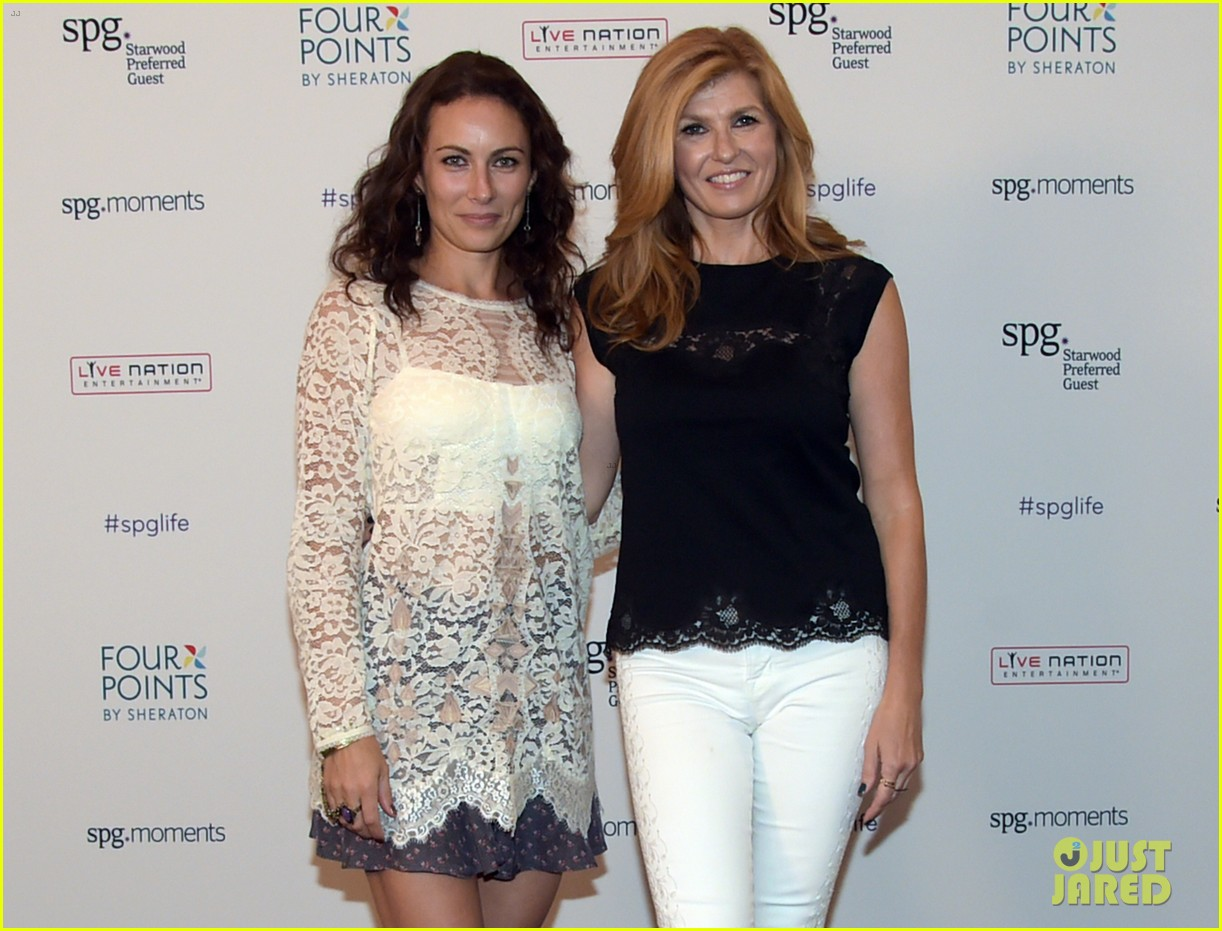 connie britton laura benanti kellie pickler concert 08