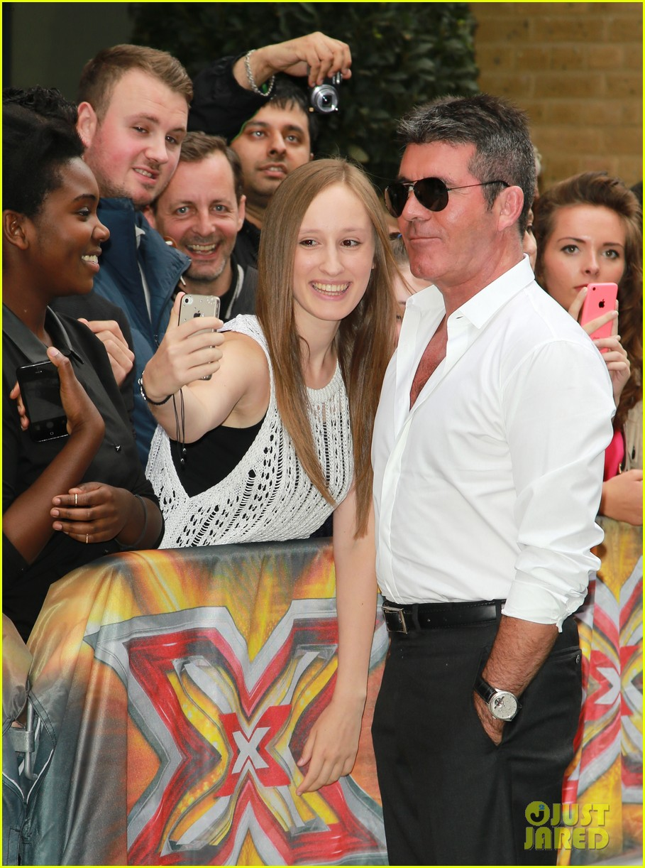 simon cowell girlfriend lauren silverman show some affection at x factor uk 063185328