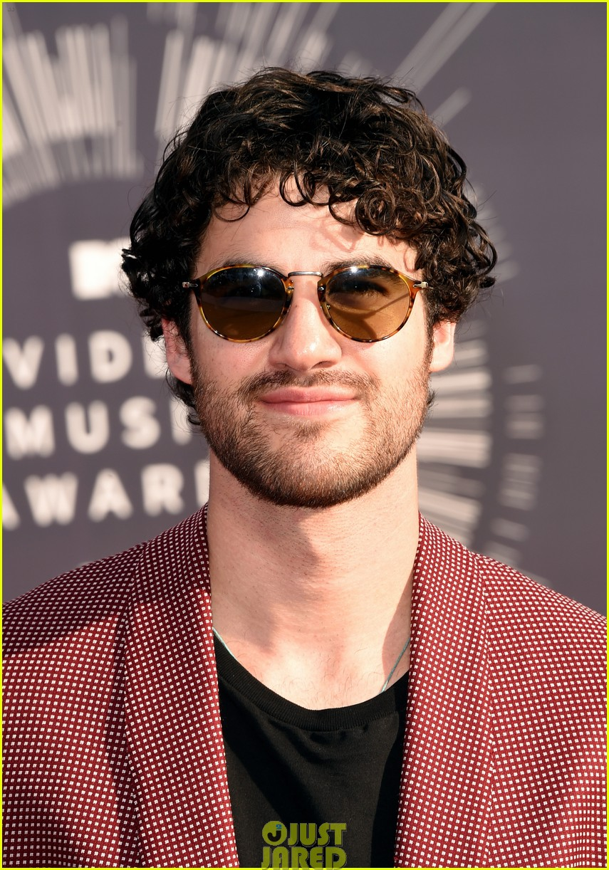 darren criss mtv vmas red carpet 043182551