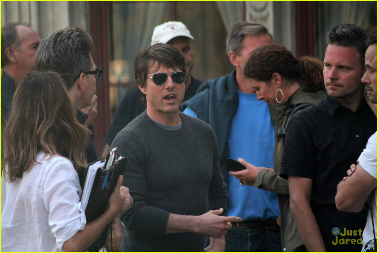 tom cruise filming stunts mission impossible 143180515