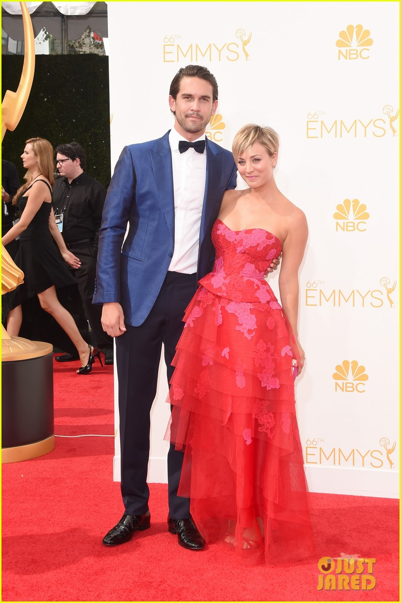 kaley cuoco ryan sweeting emmys 2014 red carpet 033183371