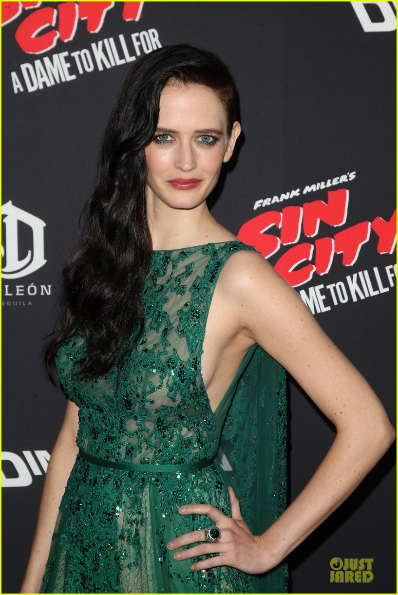rosario dawson eva green sin city a dame to kill for premiere 11