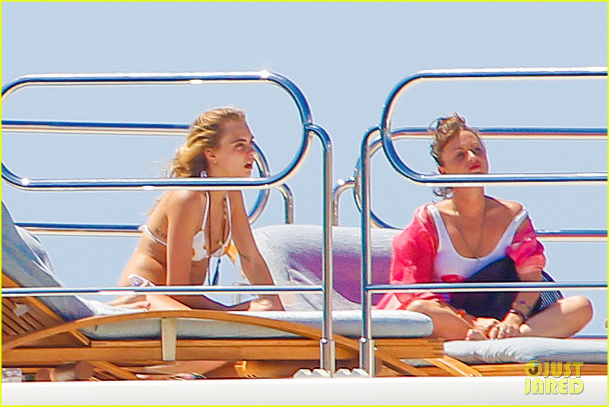 cara delevingne suki waterhouse bikini pepperoni pizza suit 28