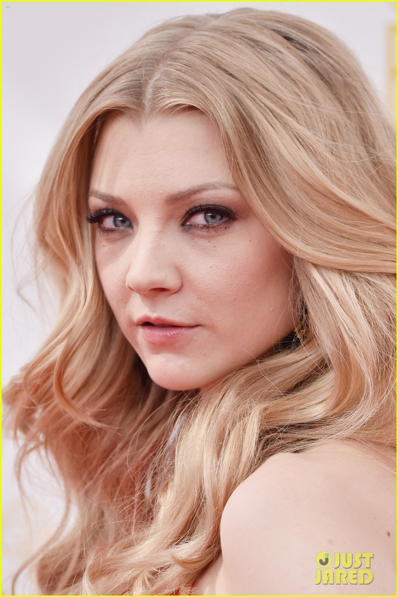 natalie dormer rose leslie game of thrones emmys 053183364