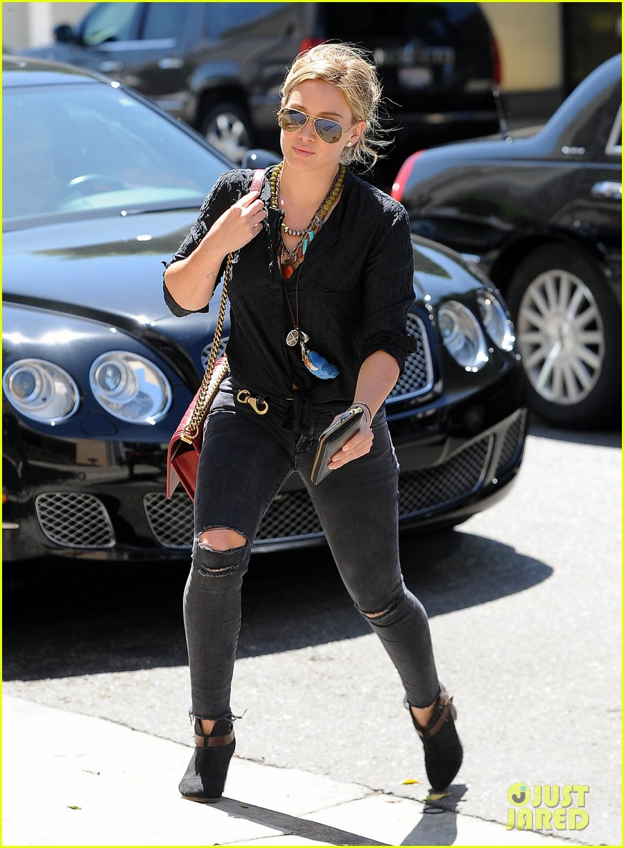hilary duff album pushed back few months 17