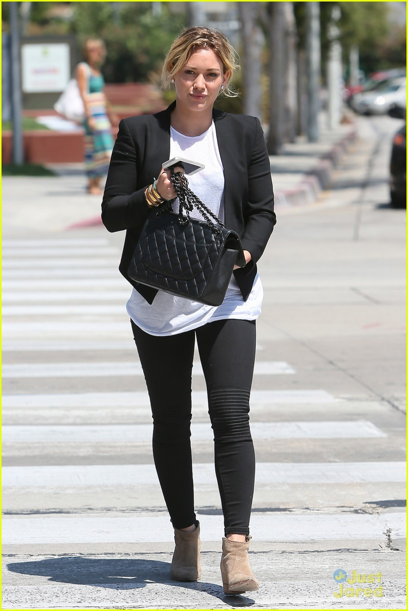 hilary duff steps out after new song 113179903
