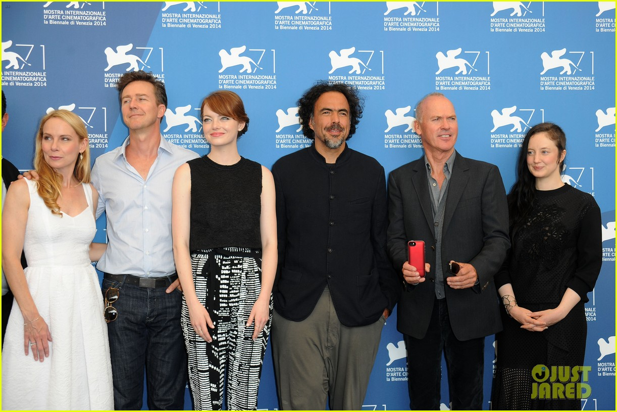 emma stone birdman photo call venice italy 04