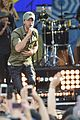enrique iglesias brings down the house at gma 05