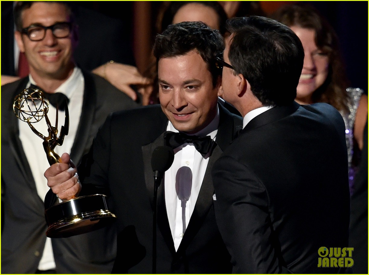 jimmy fallon jimmy kimmell emmy awards red carpet 01