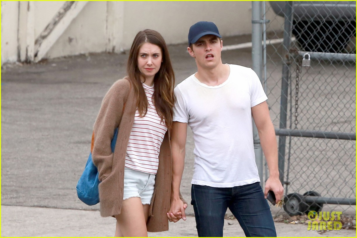 Alison brie dating 2014