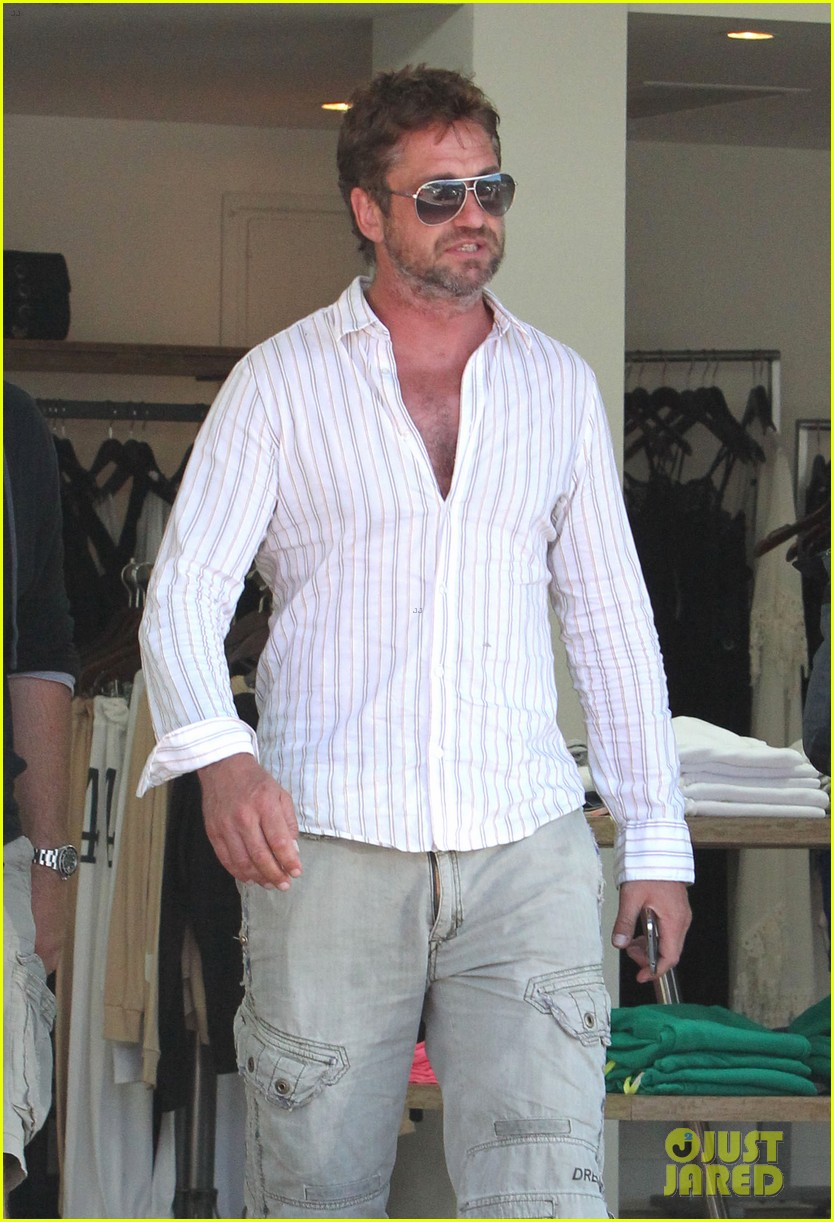 gerard butler chest hair shopping malibu 023177920